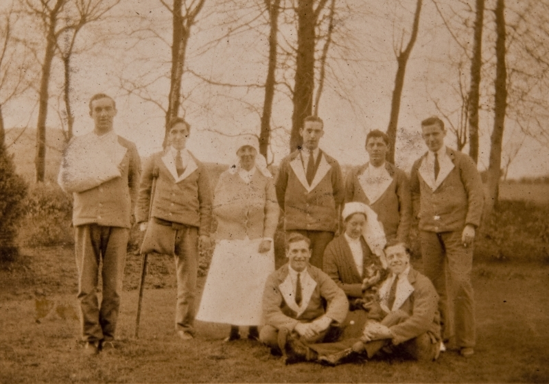 Nurses and soldiers, Caldegrove
