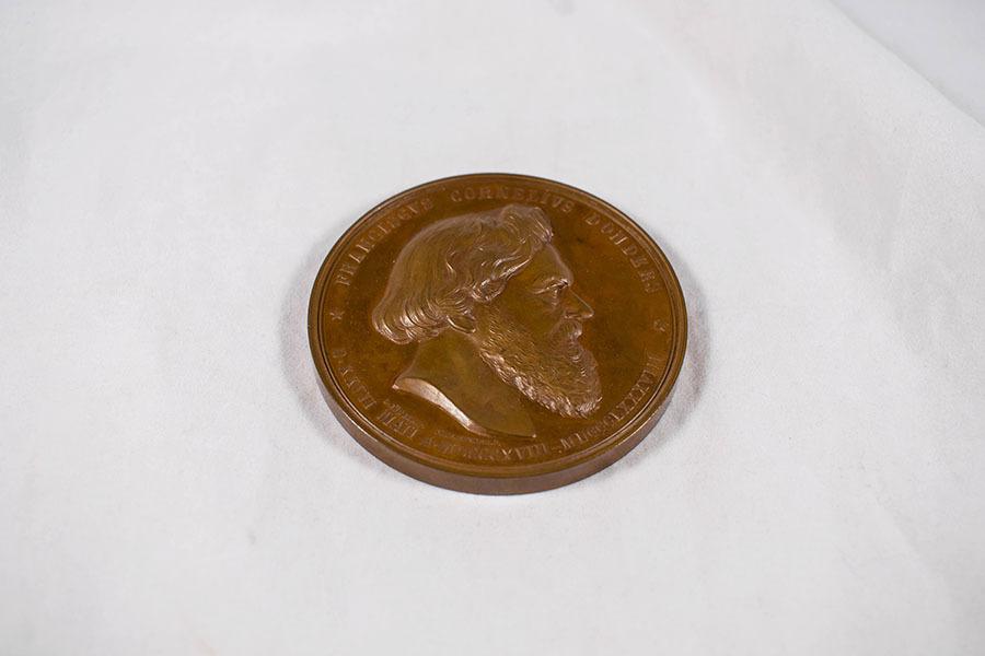2003.40.8_Frans Cornelus Donders medal.jpg