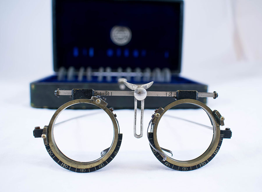 2003.77.57_ophthalmic set 12.jpg