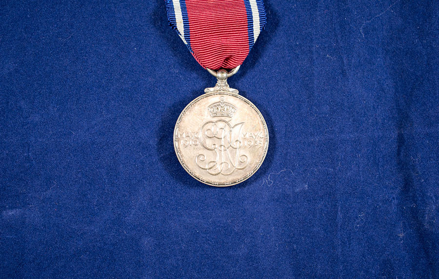 2003.66.2_george and mary coronation medal 3.jpg