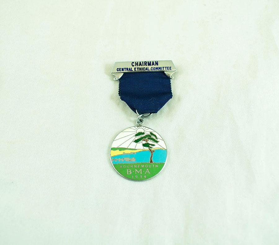 2003.40.9.7_bournemath medal_1.jpg