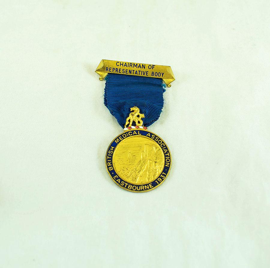 2003.40.9.6_eastbourne medal_1.jpg