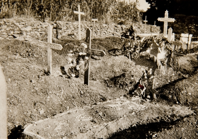 Sister Burt's grave. Salonique<br />