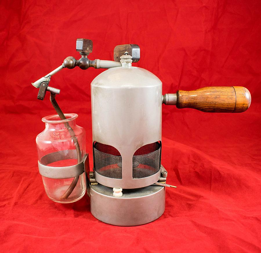 2003.174_lister carbolic spray 2.jpg