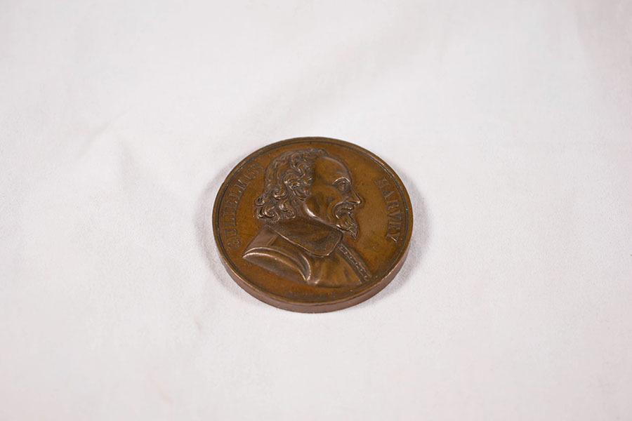 2003.40.6_William Harvey medal 3.jpg