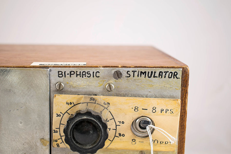 2001.3_biphasic stimulator 6.jpg