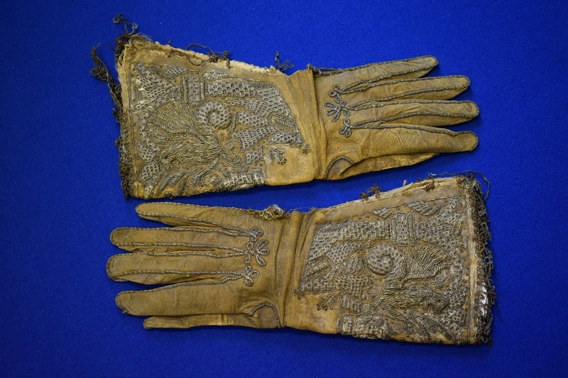 10-maister-Peter-Lowes-Gloves.jpg