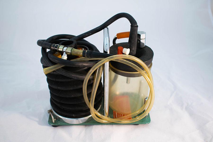 2010.1.16_AMBU suction pump 3.jpg