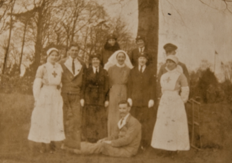 Group photograph. Nurse Annie Allan in the centre<br />