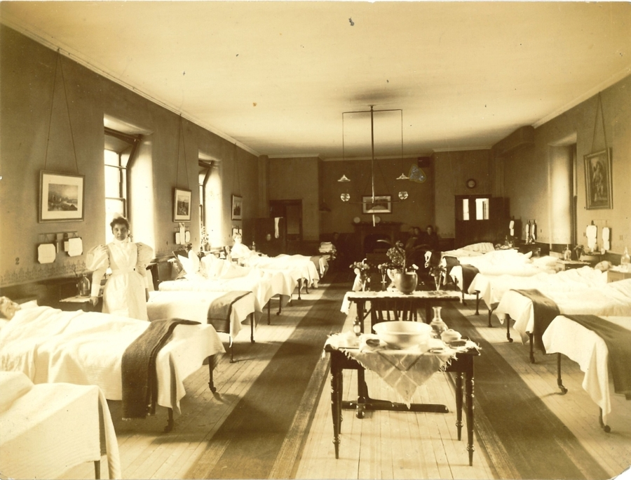 RCPSG-28-25 Medical ward in old Infirmary.jpg