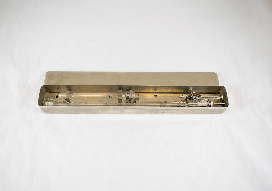 1999.2.12_lumbar puncture needle 2.jpg