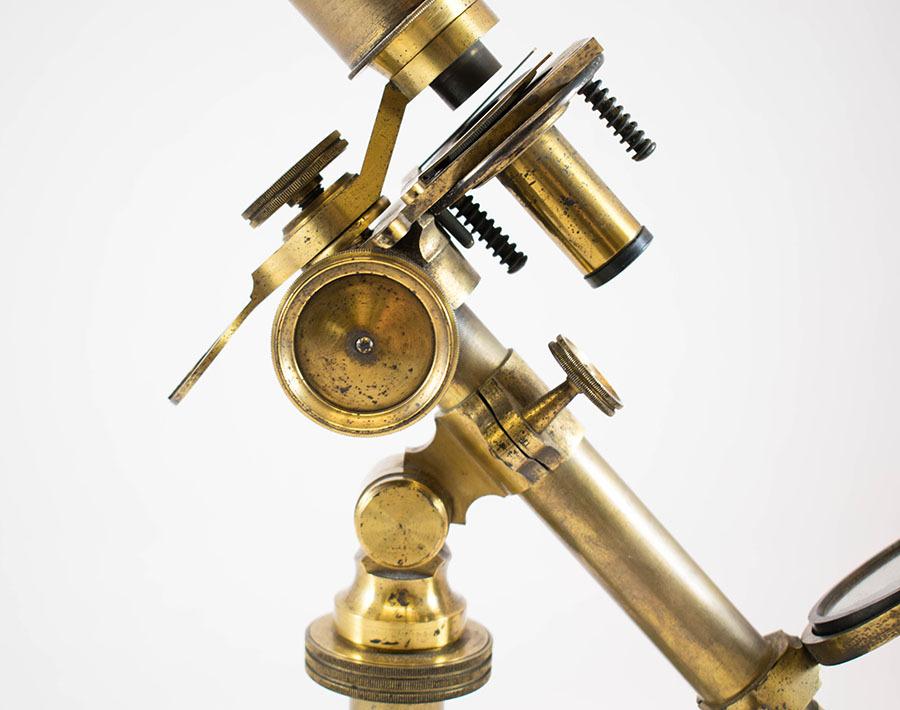 2003.26_pritchard microscope 12.jpg