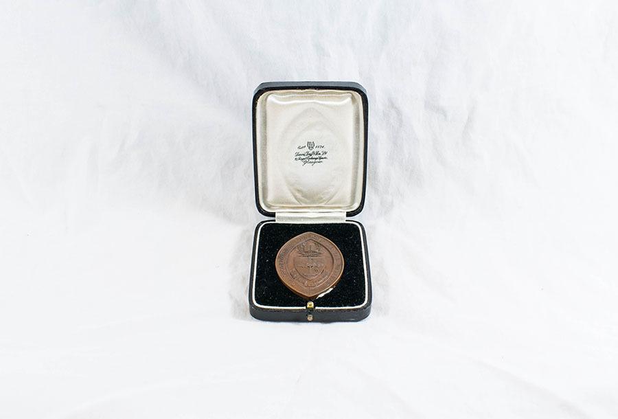HD1220_medal_1.jpg