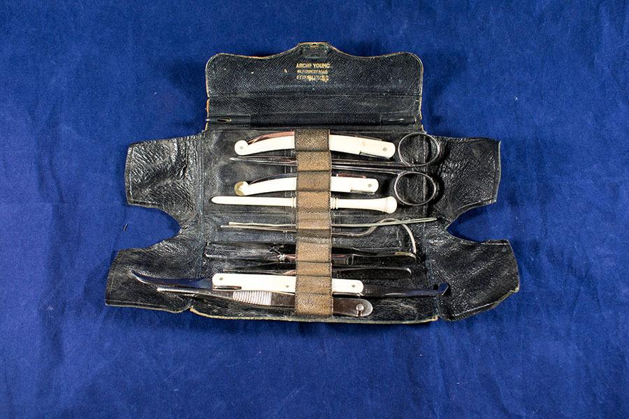 2003.77.43_instrument case_3.jpg