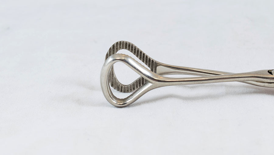 hd.23_tongue forceps_2.jpg