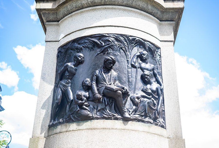 Livingstone_Statue_3.jpg
