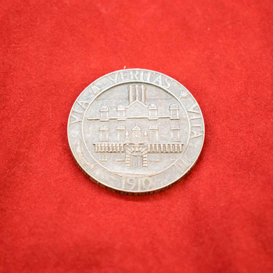 2018.20_asher medal_7.jpg