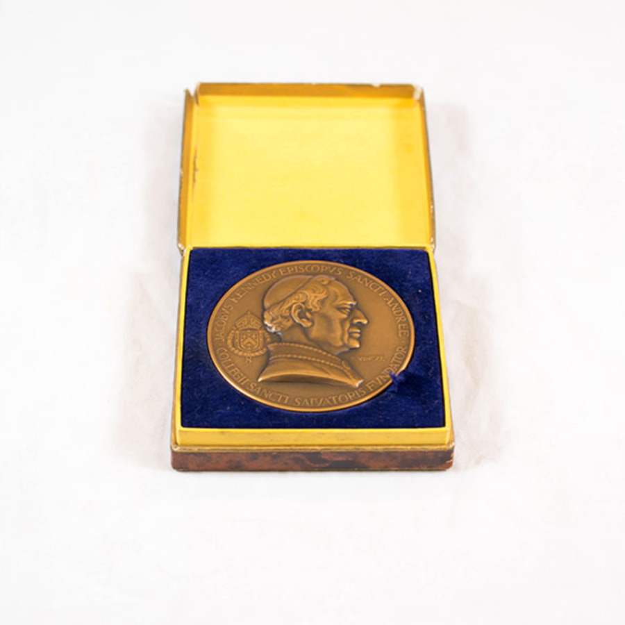 2003.40.10_jacob kennedy medal 3.jpg