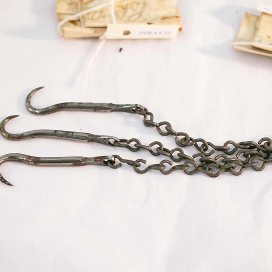 2008.4.6.10_Chain Hooks_3.jpg