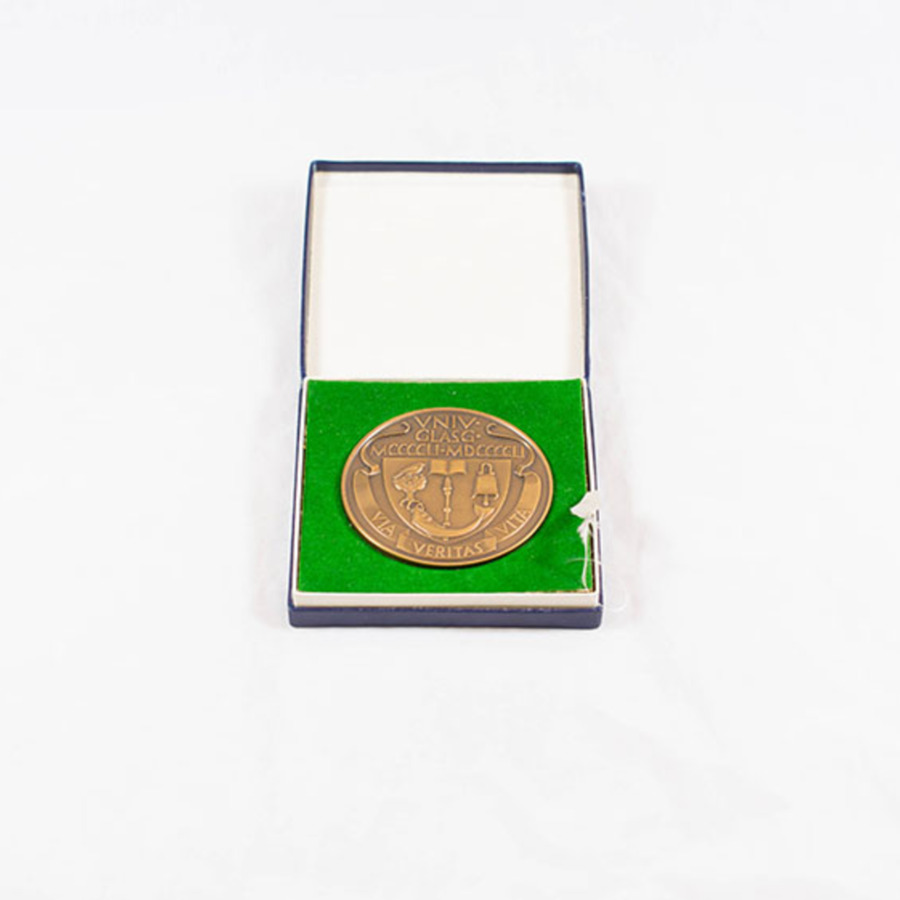 2003.40.12_university of glasgow medal 3.jpg