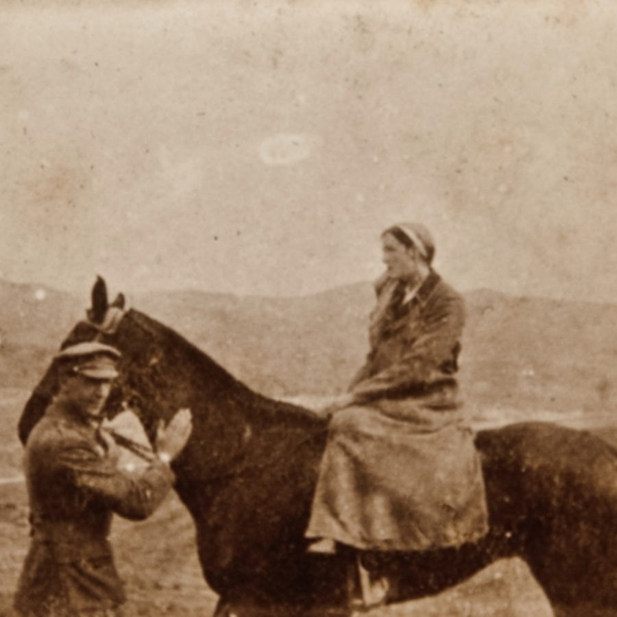 Lieut McKenzie plus Nurse Allan on horseback, Salonique<br />