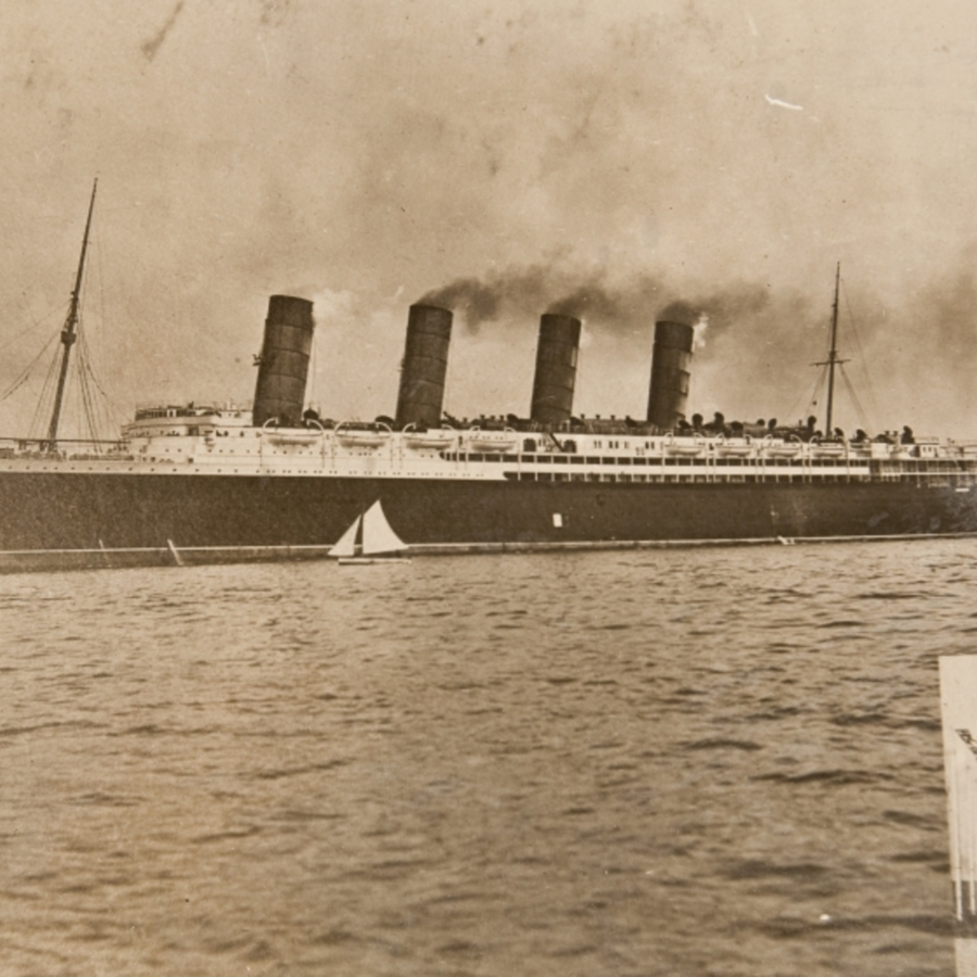 RMS Aquitania, fitted out as the first hospital ship in the world<br />