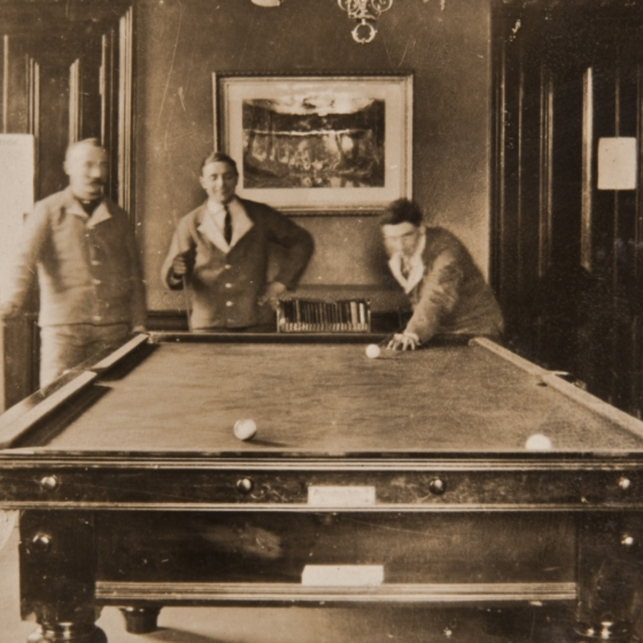 Soldiers playing billiards, Caldegrove