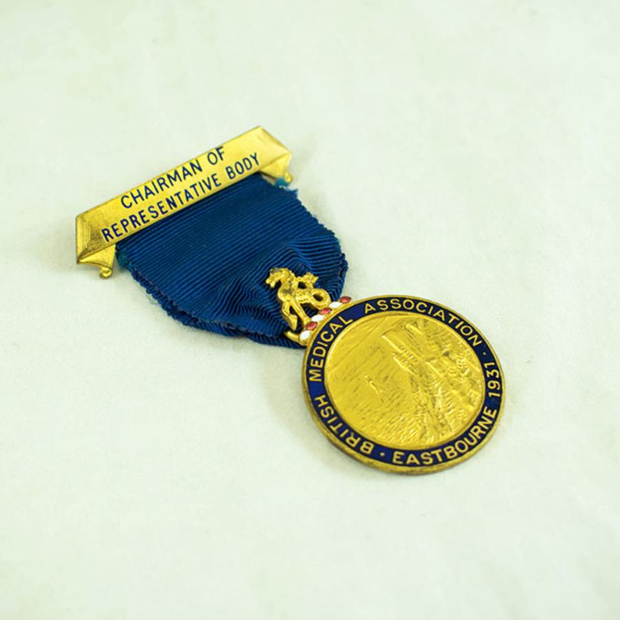 2003.40.9.6_eastbourne medal_3.jpg