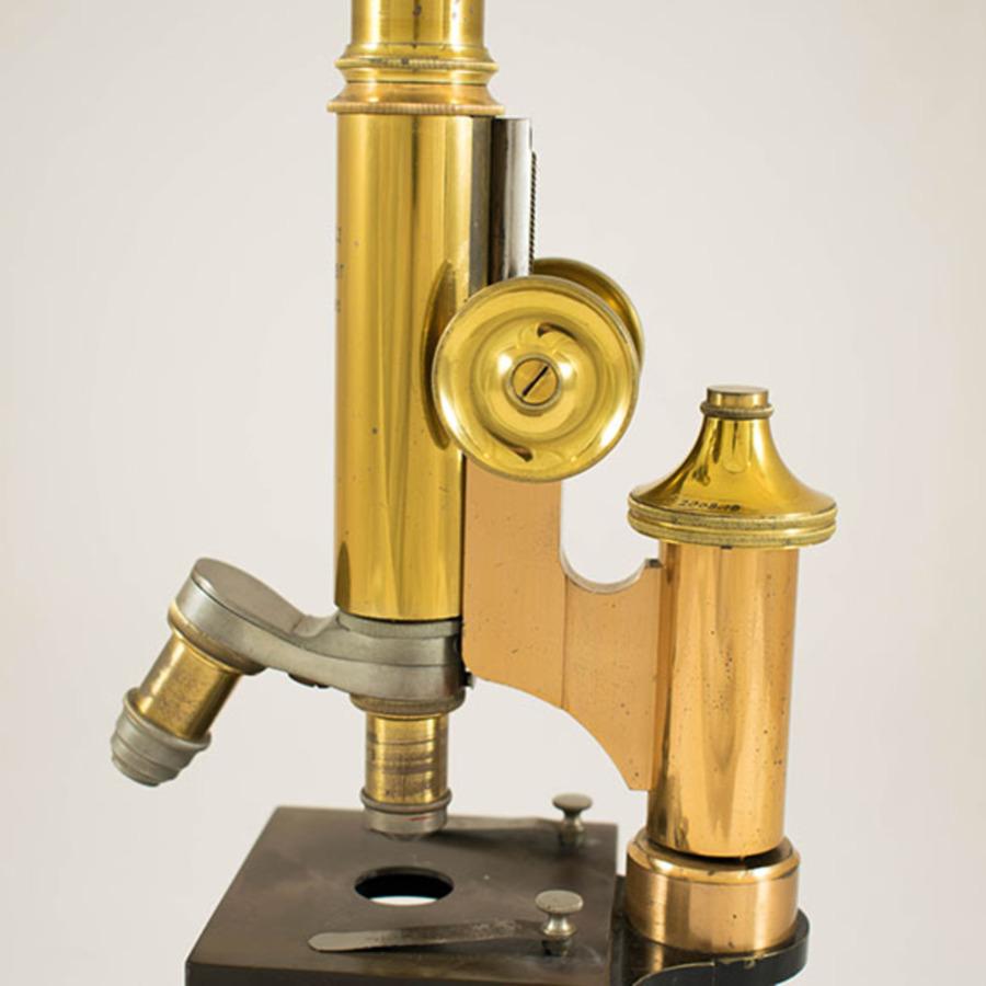 2003.18_microscope 17.jpg