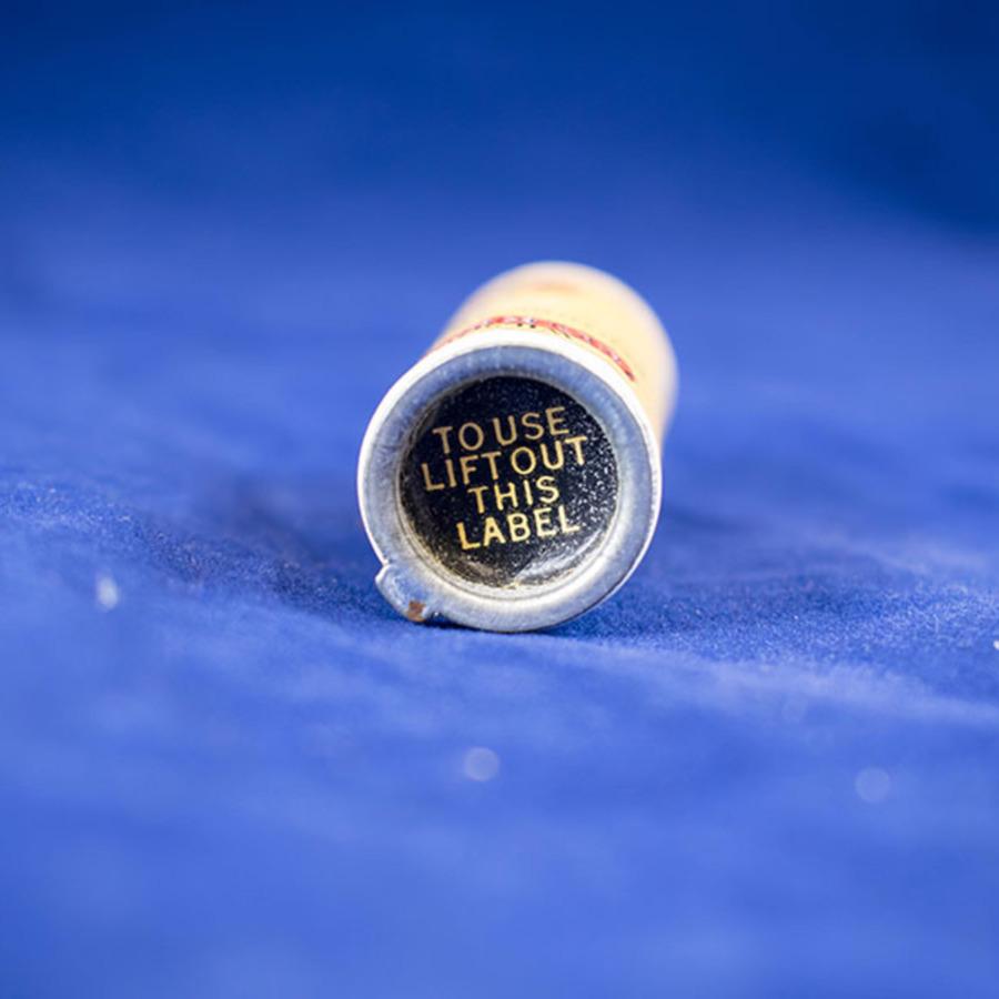 hd-1113_denture adhesive 4.jpg