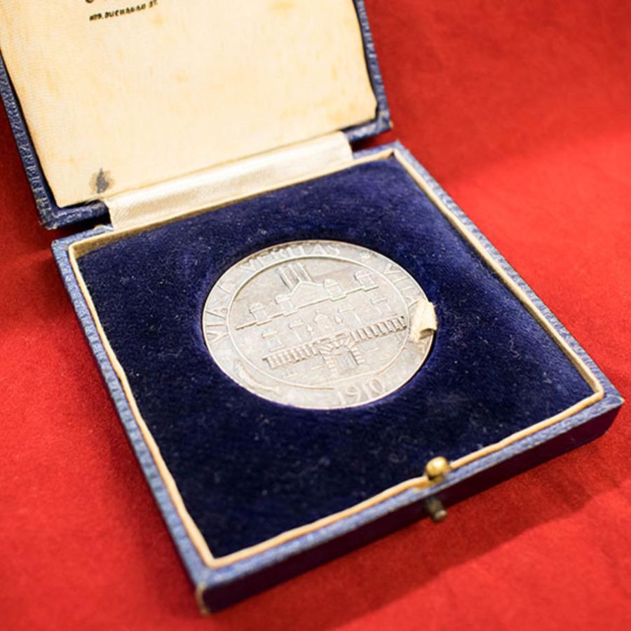 2018.20_asher medal_3.jpg