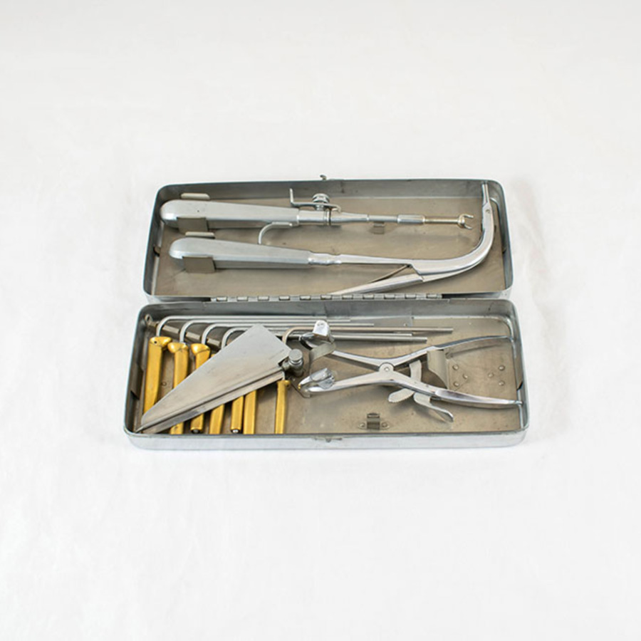 2003-98_intubation set 3.jpg