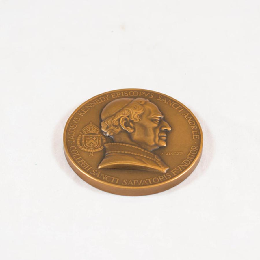 2003.40.10_jacob kennedy medal 9.jpg