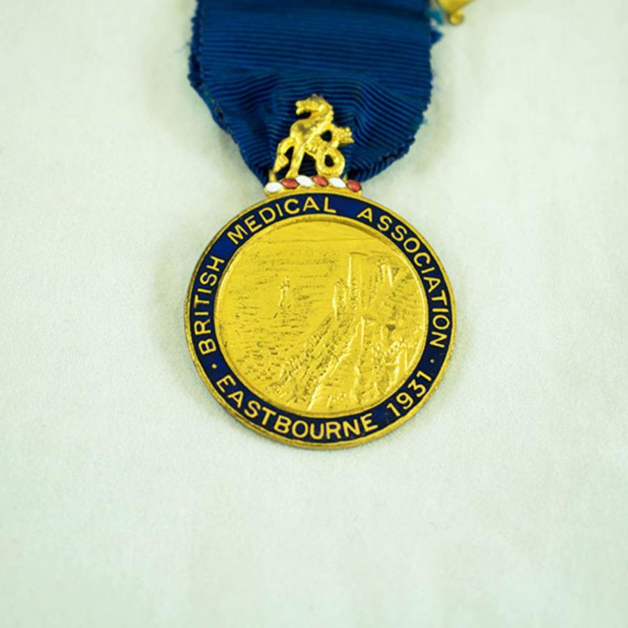 2003.40.9.6_eastbourne medal_2.jpg