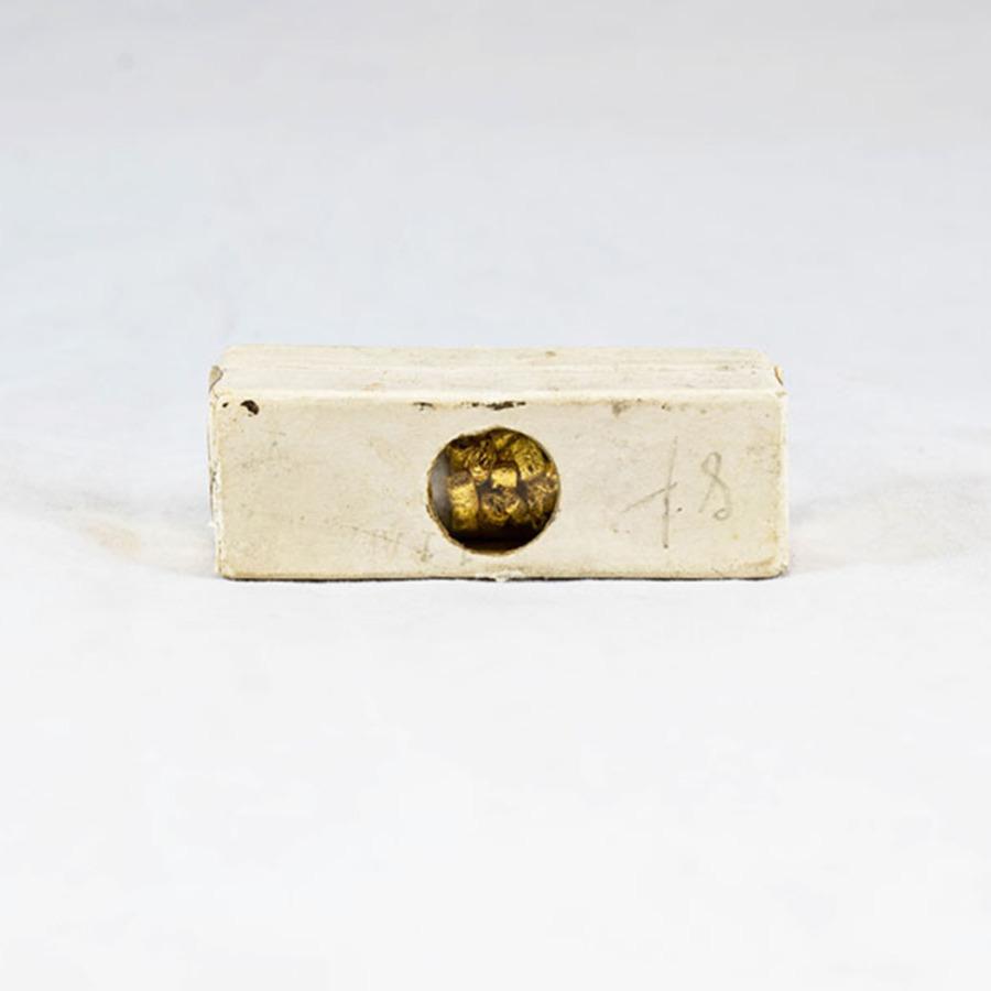 HD692_gold cylinders_2.jpg
