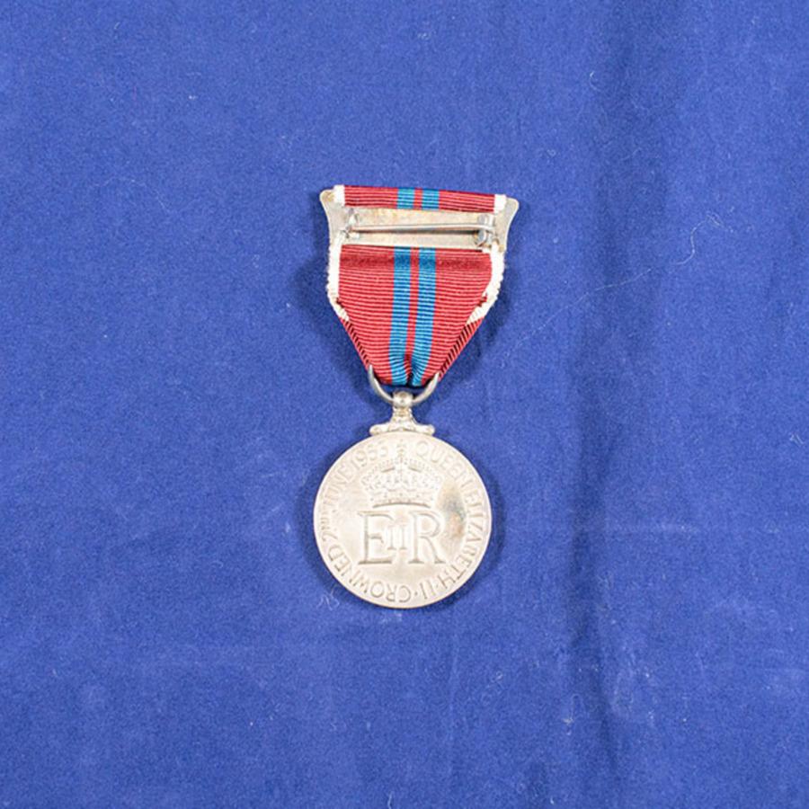 2003.66.4_elizabeth coronation medal 3.jpg