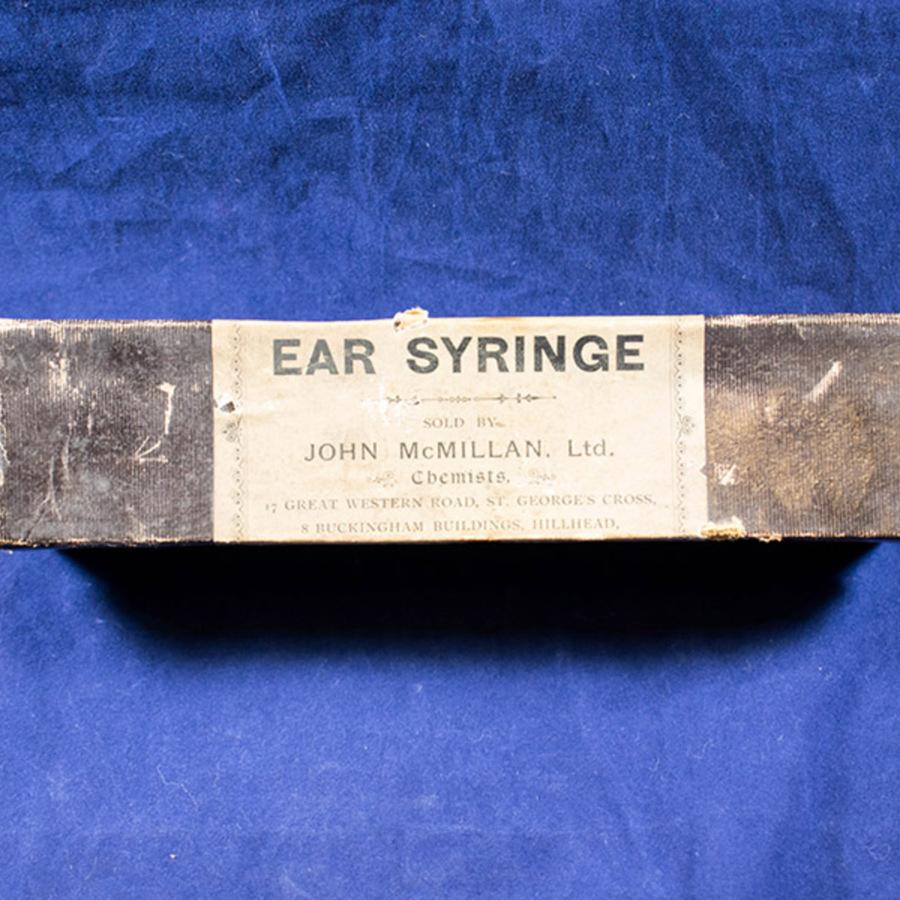 2003.143_aural syringe 2.jpg